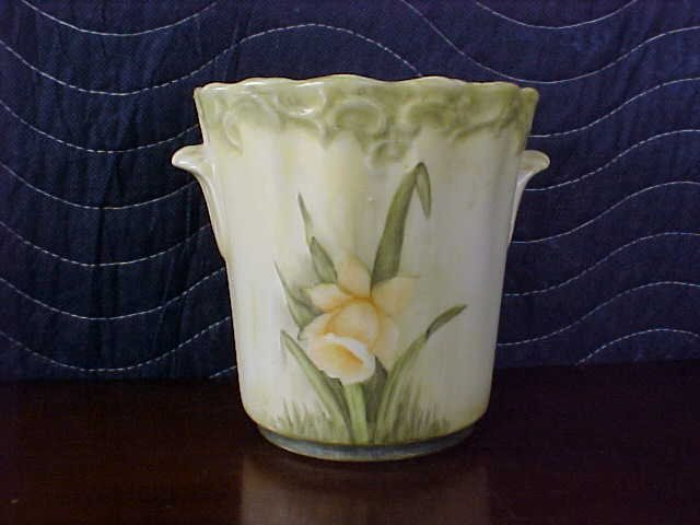 signed Pearl Carson 1980 hand painted vase