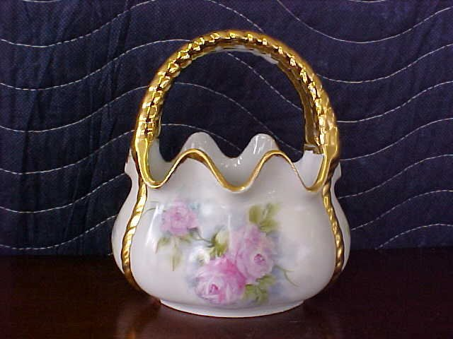 signed Pearl Carson 1989 hand painted dish w/handle