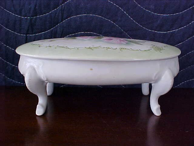 signed Pearl Carson 1984 hand painted footed dish