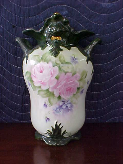 signed Pearl Carson 1980 hand painted vase w/handles