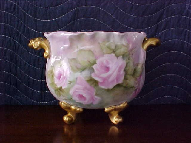 Signed Pearl Carson 1980 handpainted footed dish