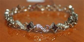 Beautiful Bracelet with Garnet and Diamond