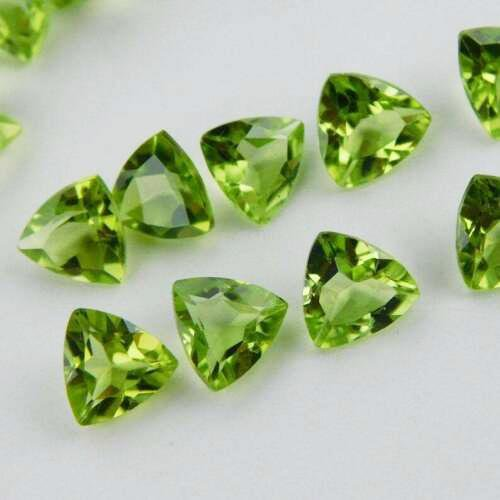 Natural Green Peridot 6x6 MM Trillion Cut Loose
