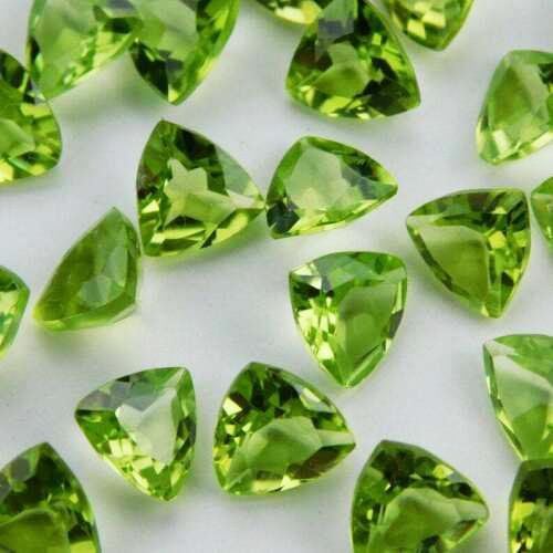 Natural Green Peridot 8x8 MM Trillion Cut Loose
