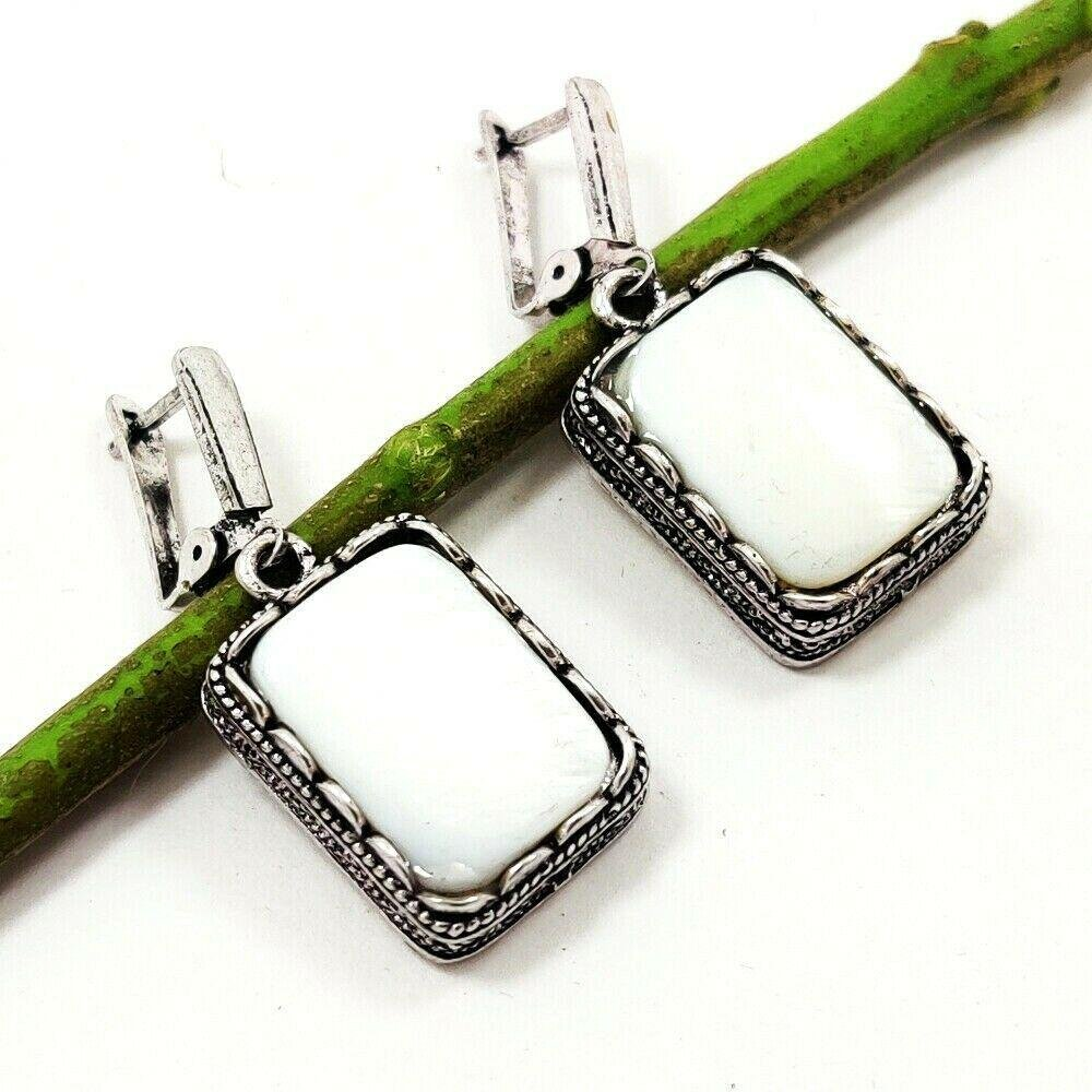 MOTHER OF PEARL GEMSTONE SILVER PLATED EARRING