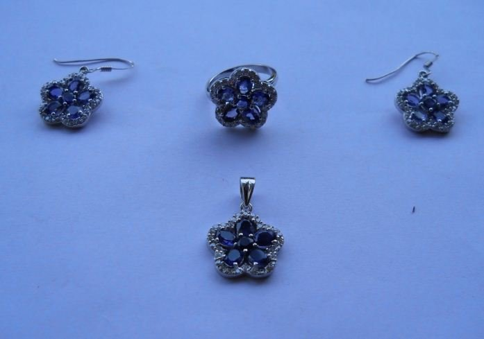 Set of Ring,Earring And Pendant, Stone: Amethyst,