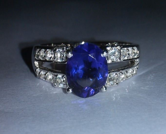 3.810g Ring of Amethyst and Cz 925 Sterling Silver