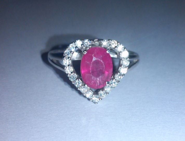 3.890g Ring of Ruby and CZ Sterling 925 Silver
