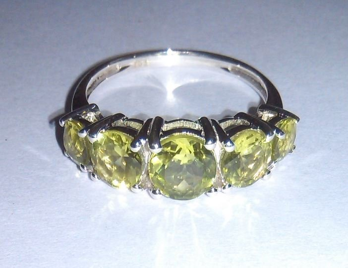 2.540g Ring of Peridot 925 Sterling Silver