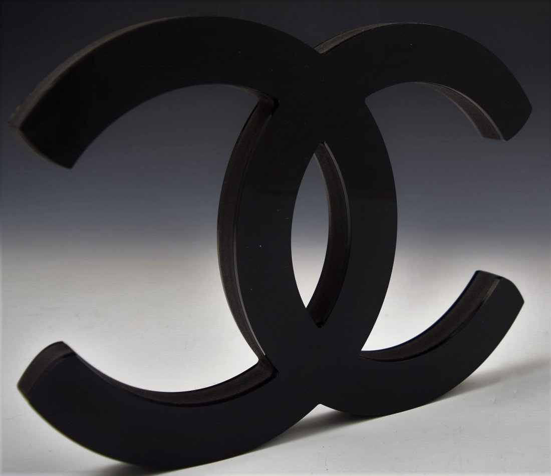 Chanel Logo Display