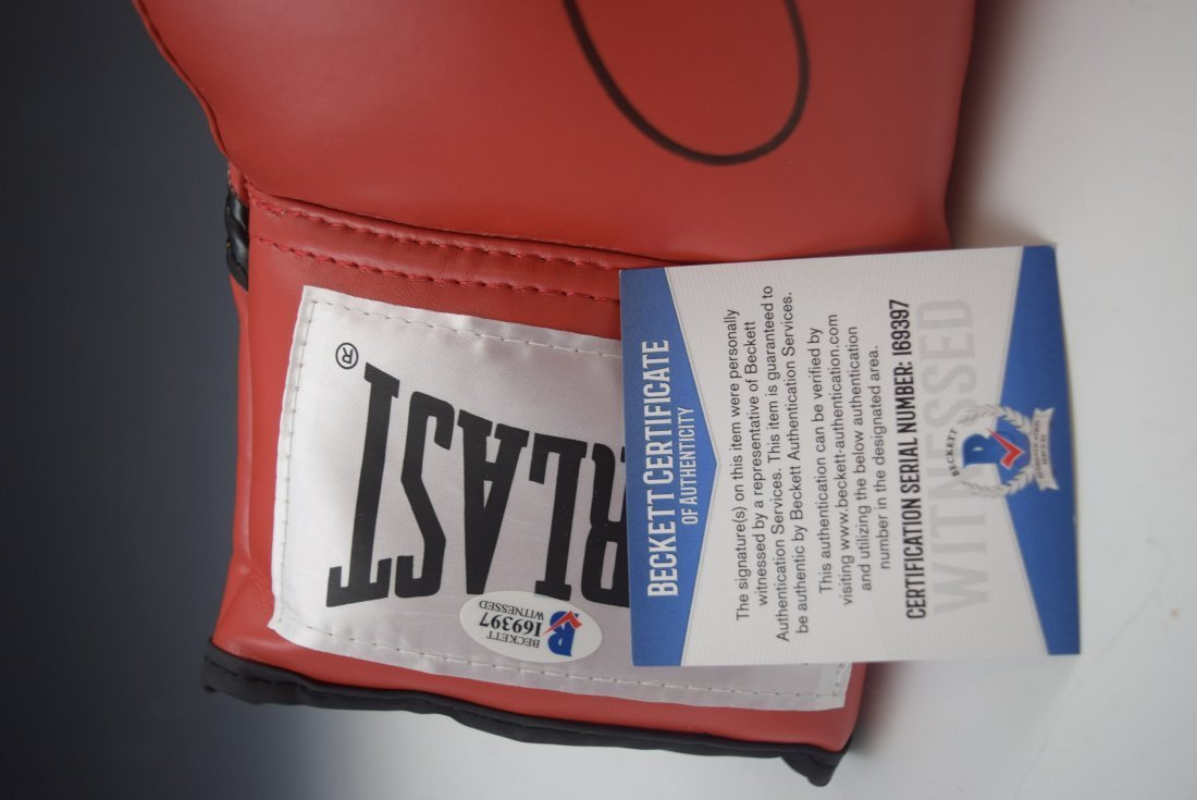 Floyd Mayweather Signed Boxing Glove - 3