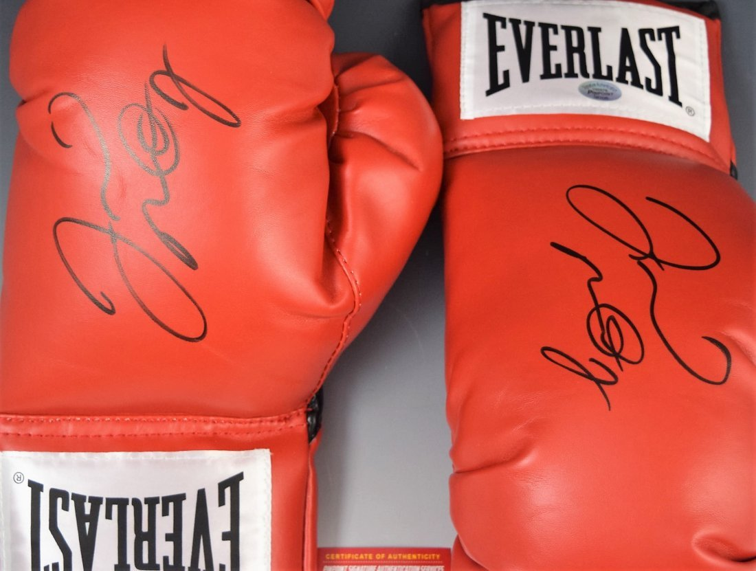 2 Floyd Mayweather Signed Boxing Gloves - 3