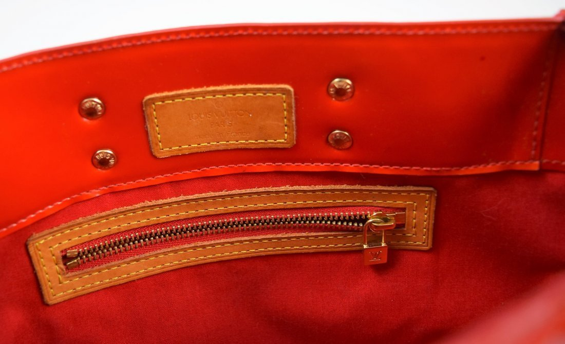Louis Vuitton Handbag - 4