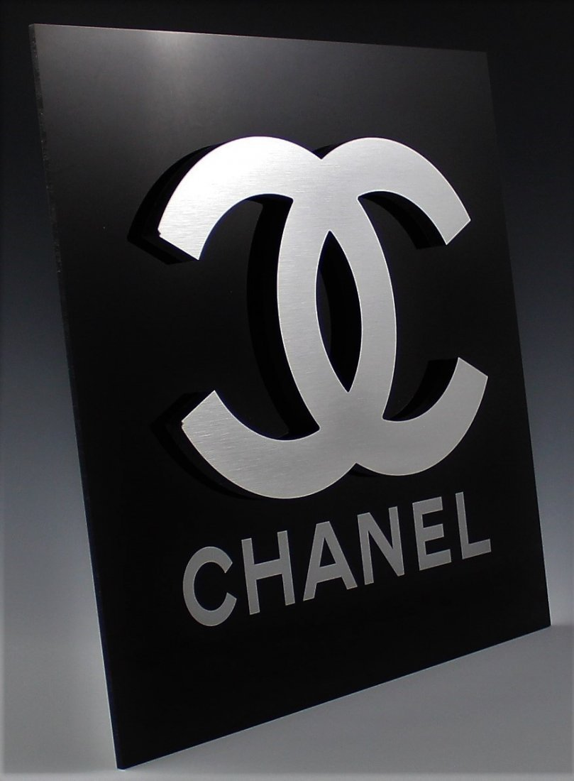 Chanel Logo Display