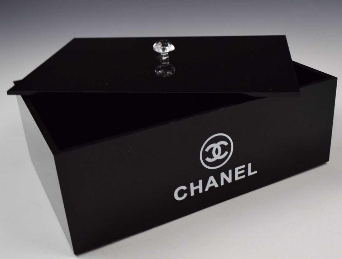 21506e4a1157 Chanel VIP Holder
