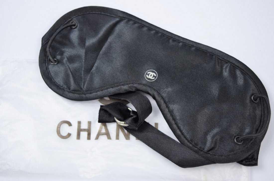 d0ed353b0b52 Chanel VIP Mask