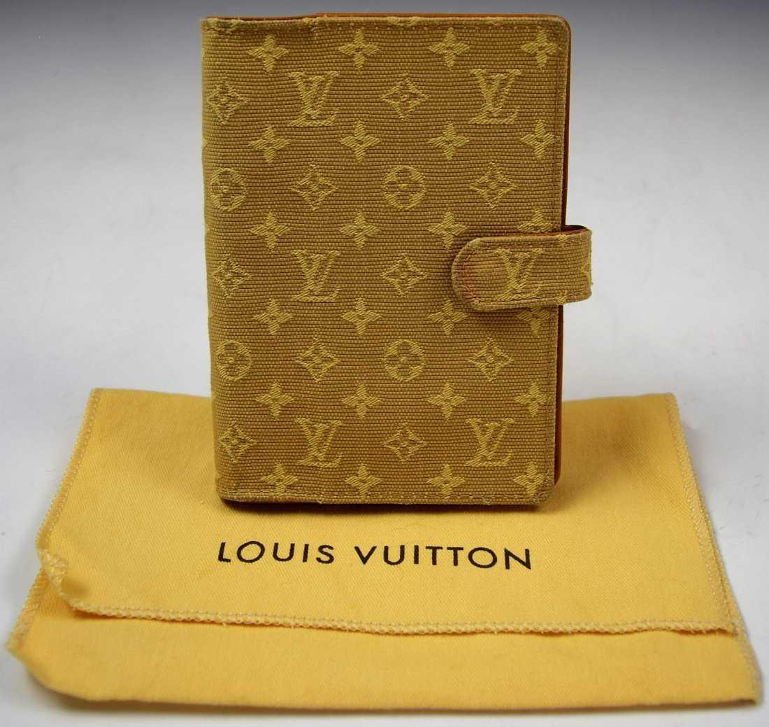 eadebedec838 Louis Vuitton Agenda
