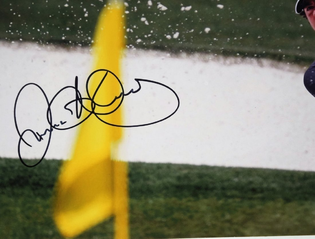 Rory Mcilroy Signed Photograph - 2