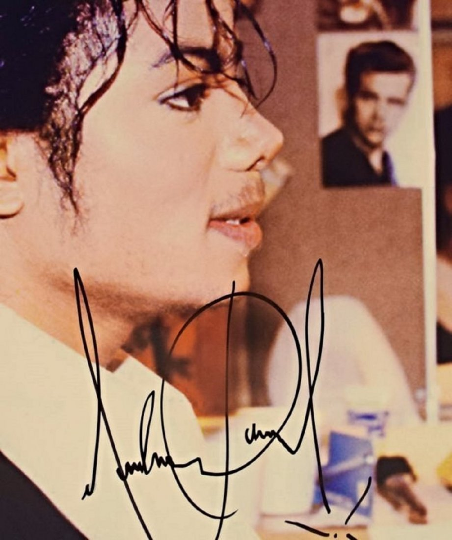 Michael Jackson Signed Photo - 2