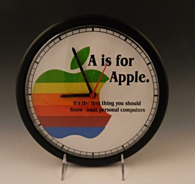 Apple Dealer Clock