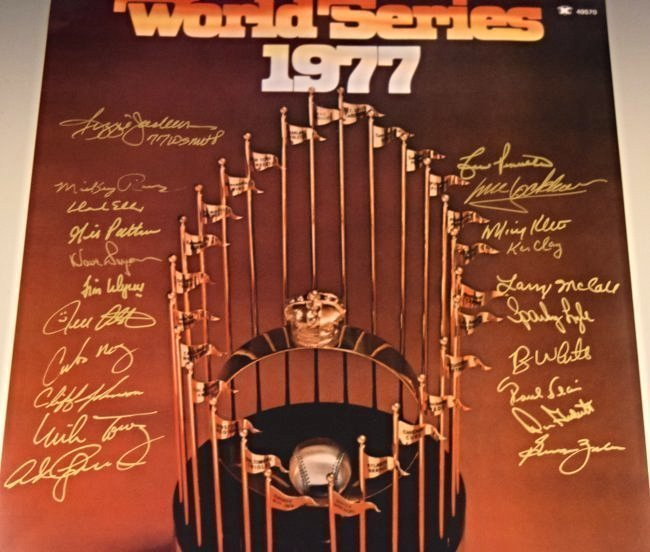 Yankees World Series Team Signed Photograph - 3