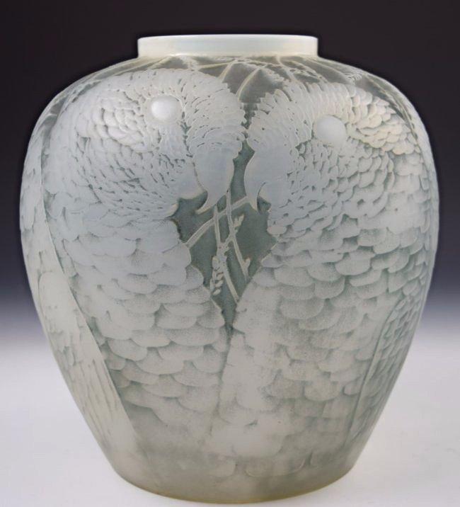 Important 1927 Lalique Alicante Vase