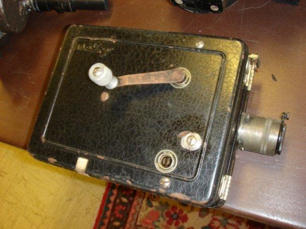 2: De Vry Hand Crank Movie Camera with Carl Zeiss Lens