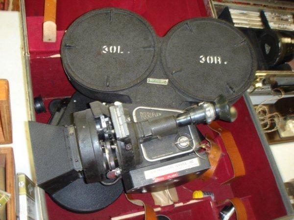 24: Arriflex Model 35 mm Model with 50mm f2 schneider