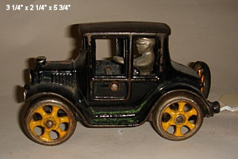 2031: Cast iron coupe with driver