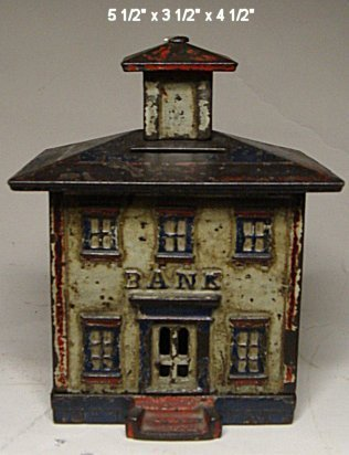 2042: Large cast iron bank with closure