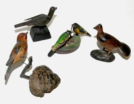 2730: Group of carved and painted folk art birds. Large