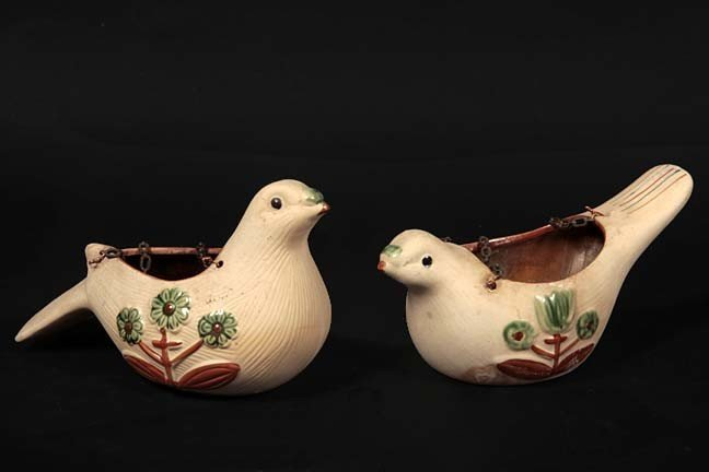 16: A pair of bird pottery planters with original chain