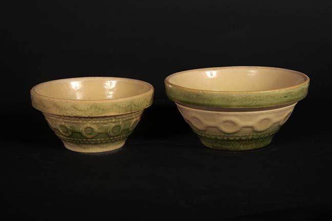 20: Salt glaze mixing bowls, a pair of green wedding ri