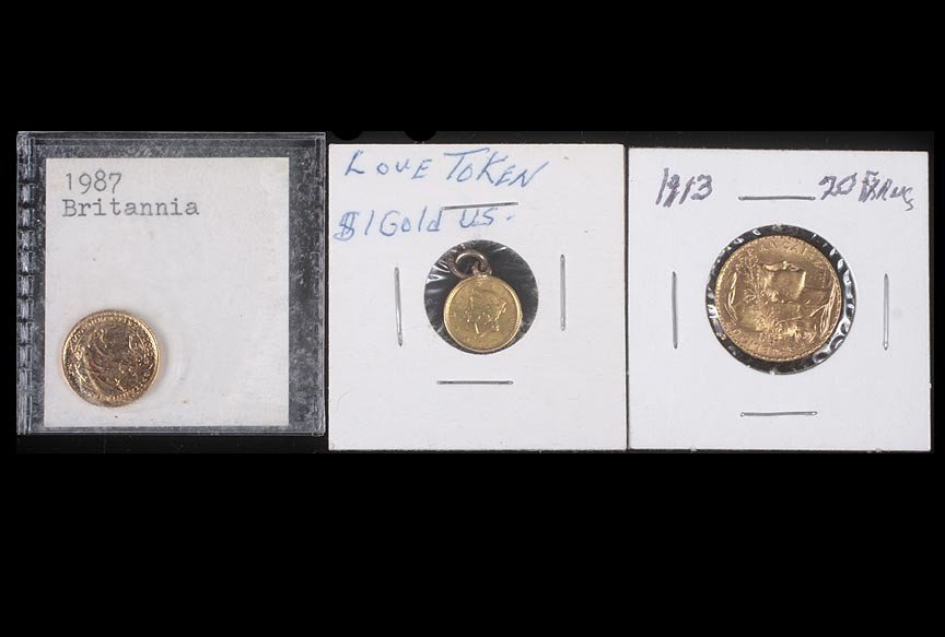 76. Lot of foreign gold coins