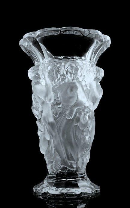 Glamorous Art Deco Bohemian Nude Glass Vase