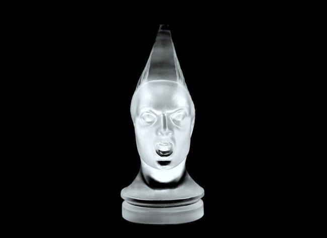 French Art Deco Glass Bohemian Car Mascot ' Victoire ' - 4