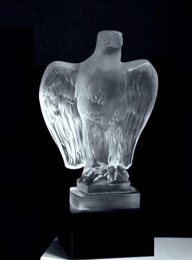 Art Deco Glass Car Mascot Sculpture ' Eagle ' Figurine