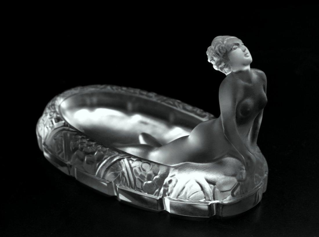Art Deco Bohemian Ingrid Glass ' Susan in the bath '