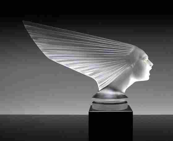 Art Deco Glass / Victoire / Sculpture Hood Ornament