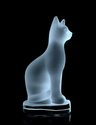 Glamorous Art Deco 1930' Satin Glass Cat Figurine