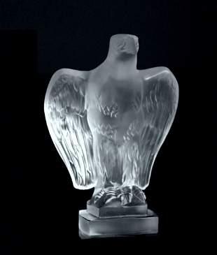 Art Deco Figurine ' Eagle ' Art Glass Hood Ornament