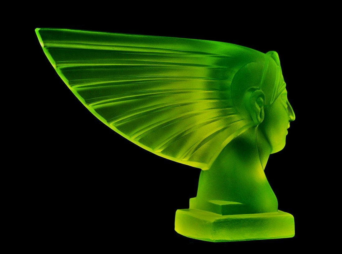 Glass Vaseline Car Mascot /Art Deco Model Ca.1930 - 2