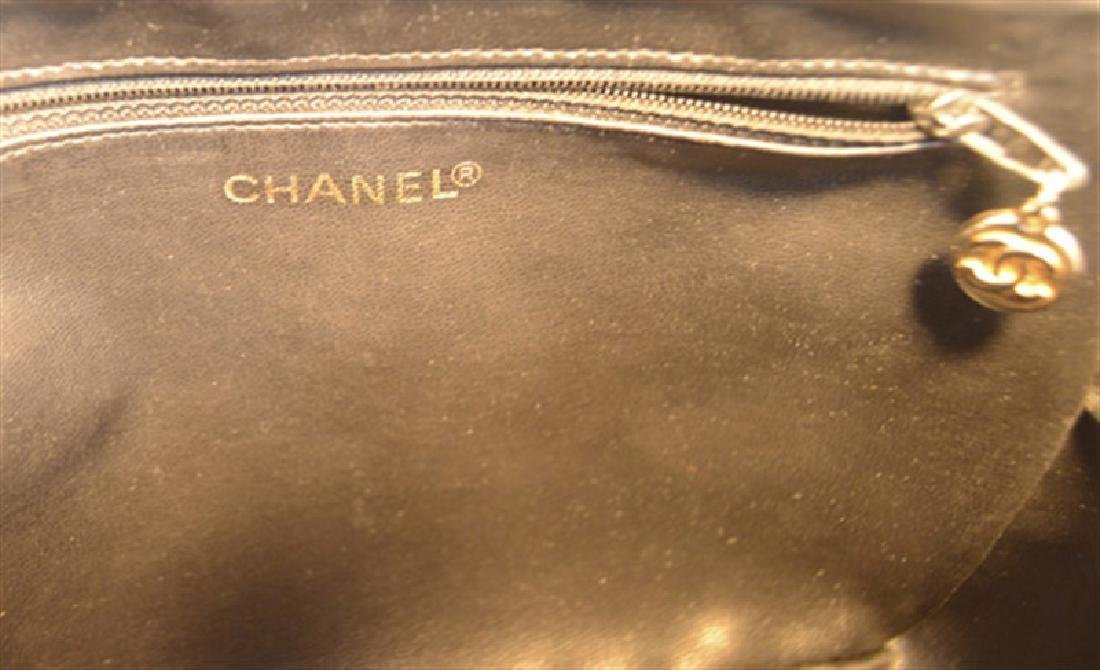 Chanel Vintage Black Patent Leather Chevron Quilted - 3