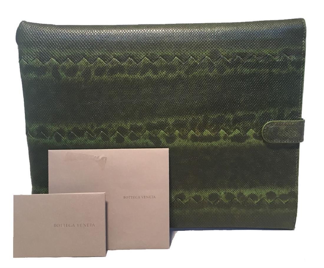 NWOT Bottega Veneta Green Lizard IPad Case with Box
