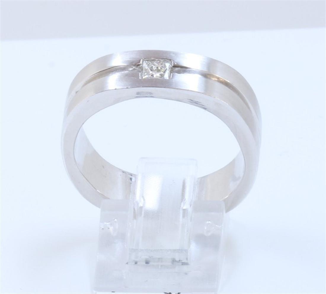 14K WHITE GOLD PRINCESS CUT DIAMOND RING:11.10