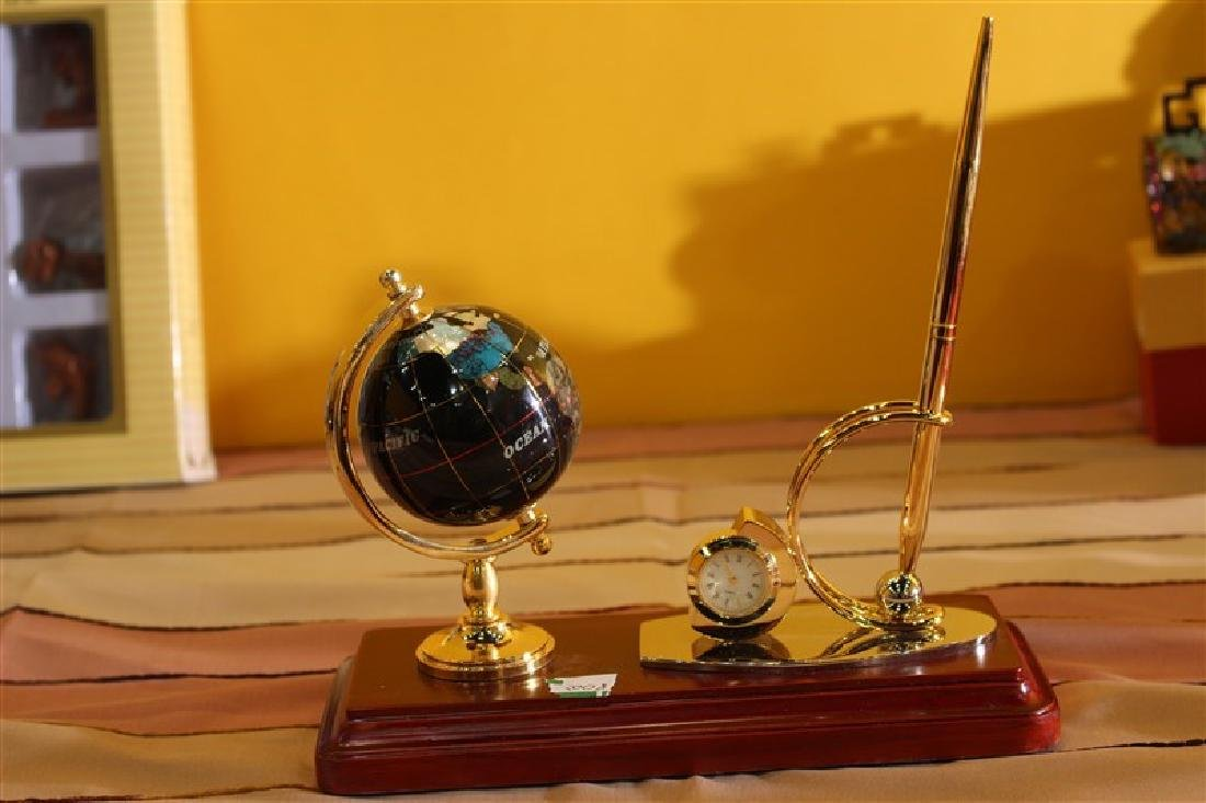 60 M.M. 20-695 [1G1] Globe Black Color W/ Rectangular