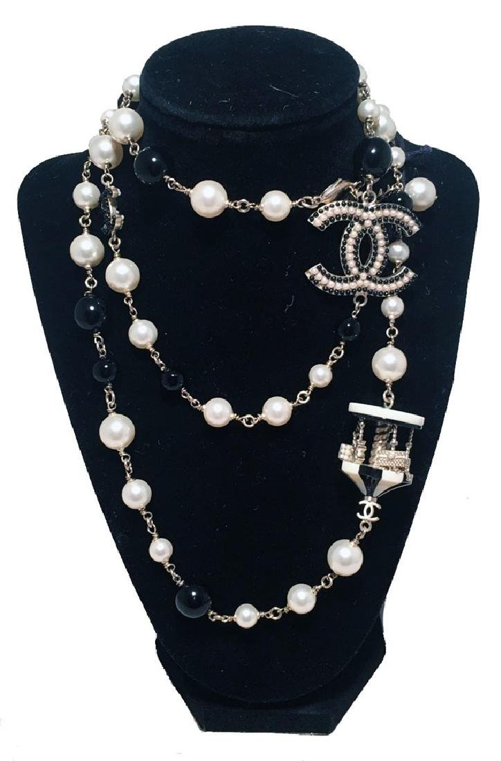 Chanel Black and White Pearl Beaded Carousel Long
