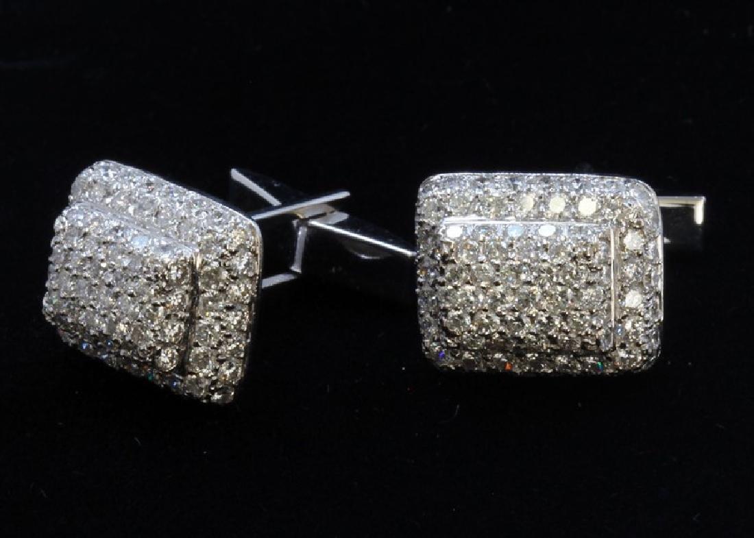 18K/ 14K White Gold And Diamond Earring Round Shape