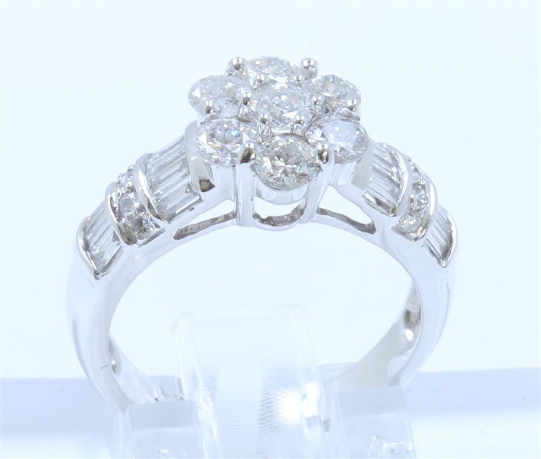 18K WHITE GOLD DIAMOND RING:5.55 GRAMS/DIAMOND:1.36CT