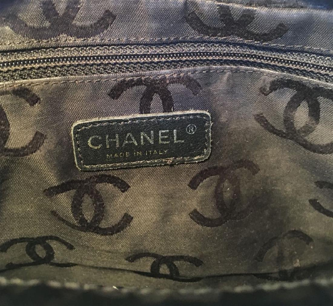Chanel Black Patent Leather Quilted CC Logo Handbag - 5